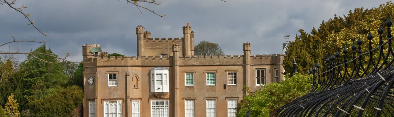 Worcester Park, Manor House in Nonsuch Place